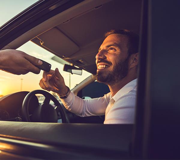 Avantajele oferite de serviciile rent a car